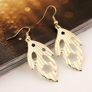 Pair of Vintage Leaf Hollow Out Earrings -
