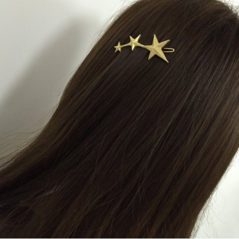 Best Stylish Solid Color Women's Star Shape Hairpin - GOLDEN  Mobile