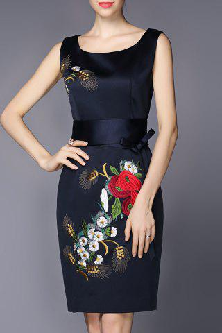 Fashion Sleeveless Embroidered Belted Dresss