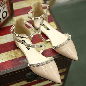 Stylish Hit Colour and Rivets Design Flat Shoes For Women - NUDE 39