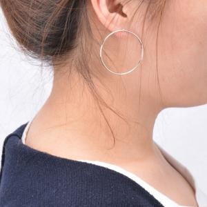 Pair of Circle Alloy Stud Earrings - SILVER