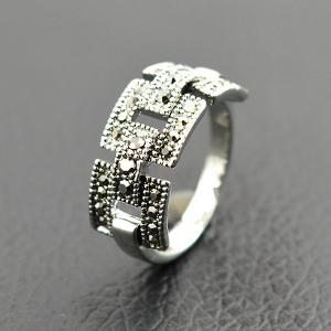 Retro Rivet Hollowed Buckle Ring