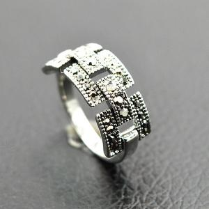 Retro Rivet Hollowed Buckle Ring - SILVER ONE-SIZE