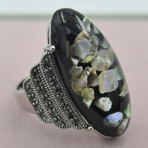 Retro Artificial Gem Shell Embossed Ring - BLACK ONE-SIZE