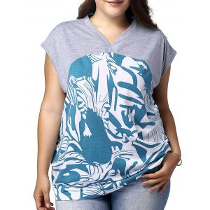 Plus Size Graphic V Neck T-shirt