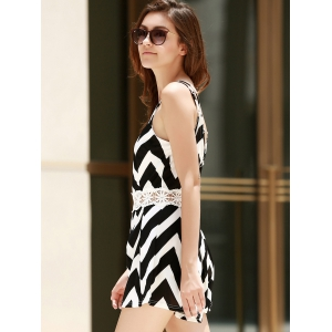 Sexy Spaghetti Strap Sleeveless Wave Print Backless Women's Romper - WHITE AND BLACK S