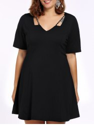 Plus Size Chains Detail V Neck Dress -