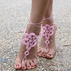 Pair of Vintage Solid Color Floral Woven Sandal Toe Ring Anklet -