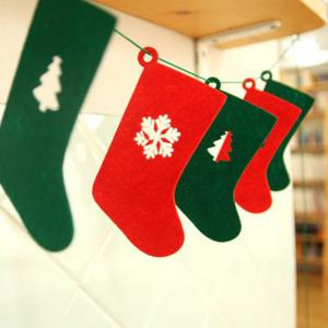 Nonwoven Fabric 6PCS Tree and Snow Pattern Christmas Socks Garland - RED/GREEN