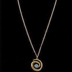 Stylish Snake Shape Pendant Necklace For Women - GOLDEN