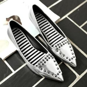Stylish Rivets and Pointed Toe Design Flat Shoes For Women -
