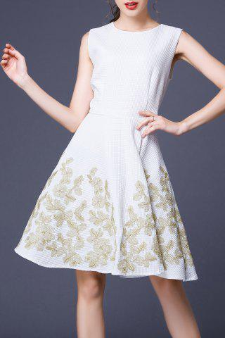 Discount Floral Embroidered Sleeveless Flared Dress