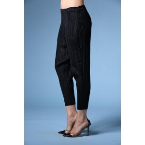 Elastic Waist Pleated Ninth Pants -