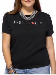 Chic Plus Size Letter and Lip Print Women's T-Shirt
