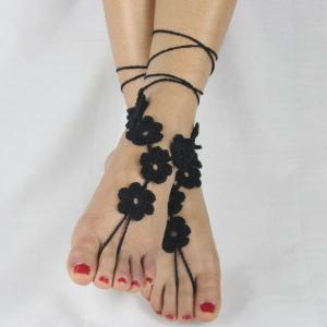 Pair of Graceful Flower Hollow Out Anklets For Women -