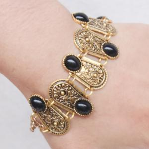 Gorgeous Faux Gem Oval Bracelet For Women -