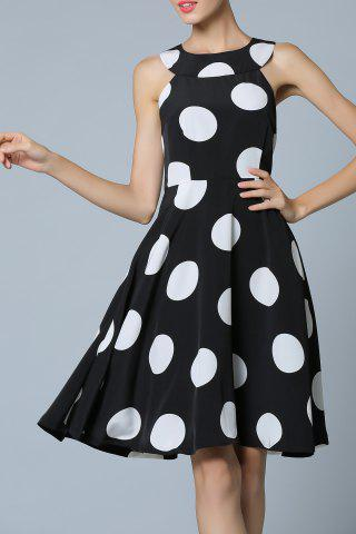 Outfit Polka Dot Fit and Flare Dress