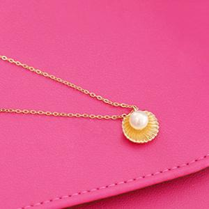 Fake Pearl Shell Pendant Necklace - GOLDEN