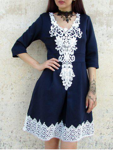 Discount Women's Stylish Half Sleeve Lace Splicing Round Neck A-Line Dress