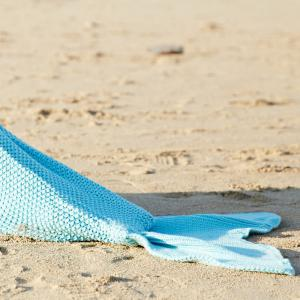 Simple Style Wool Knitting Fish Tail Design Blanket For Adult - LIGHT BLUE