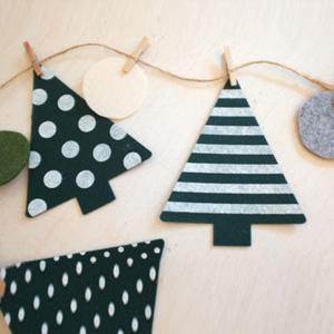 Festival Wall Decor Christmas Tree Clamp Party Decoration Supplies - WHITE AND GREEN