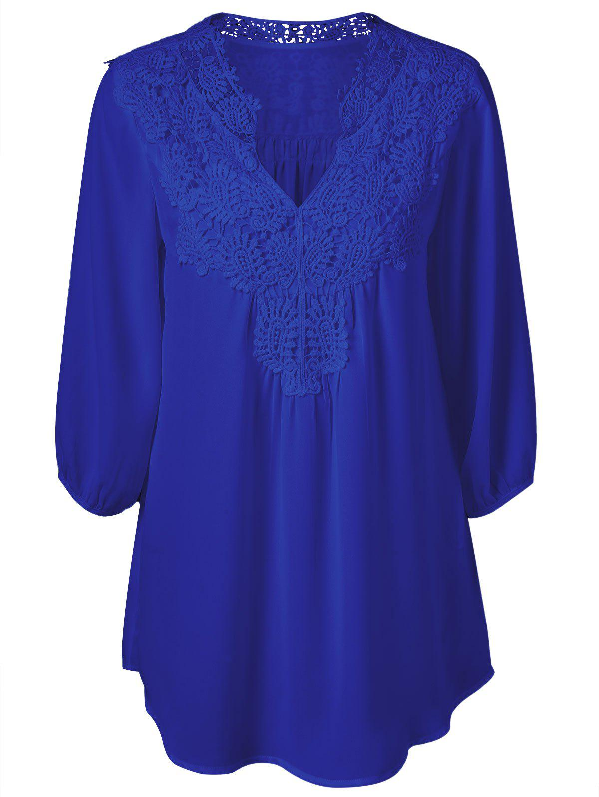 Plus Size Sweet Crochet Spliced Tunic BlouseWOMEN<br><br>Size: 2XL; Color: SAPPHIRE BLUE; Material: Polyester; Shirt Length: Long; Sleeve Length: Three Quarter; Collar: V-Neck; Style: Casual; Season: Summer; Pattern Type: Patchwork; Weight: 0.2310kg; Package Contents: 1 x Blouse;