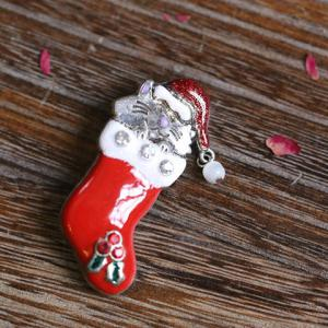 Cute Rhinestone Christmas Hat Cat Christmas Stocking Brooch - RED