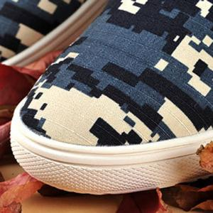 Camo Pixel Print Lace-Up Casual Shoes ODM Designer -