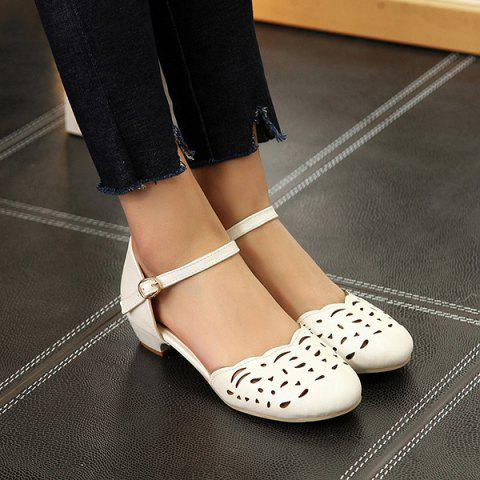 Round Toe Hollow Out Flat Shoes - White - 39