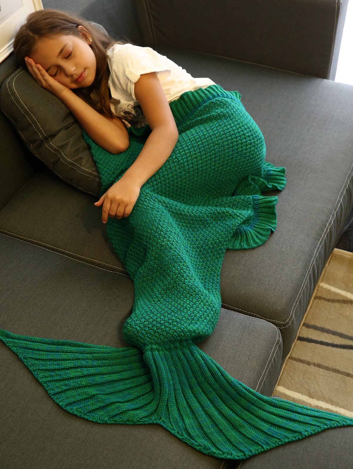 Store Comfortable Flounced Design Knitted Mermaid Tail Blanket