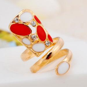 Rhinestone Fingernail Statement Ring - GOLDEN