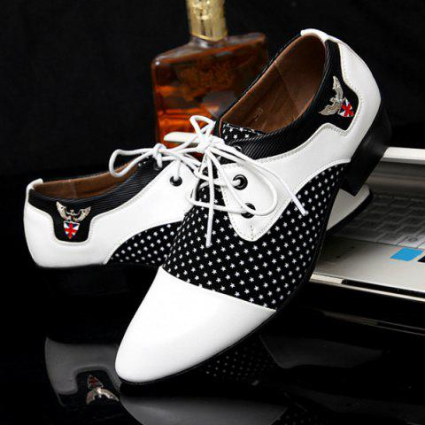 Hot Tie Up Splicing Metal Formal Shoes - 42 WHITE AND BLACK Mobile