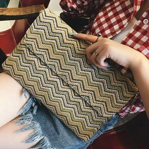 Chain Zigzag Pattern Colour Block Clutch Bag -