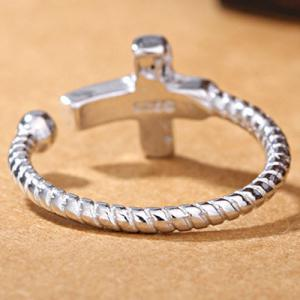 Cross Twist Open Ring -