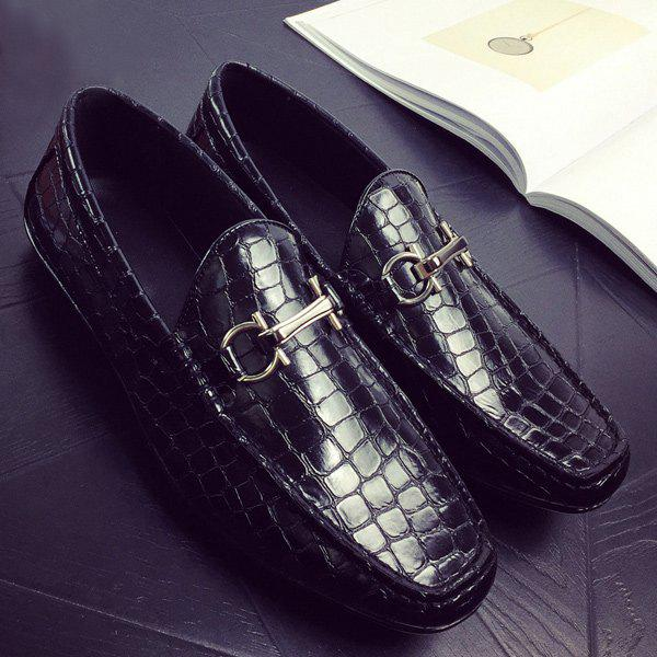 Buy Plaid Pattern Embossing PU Leather Casual Shoes