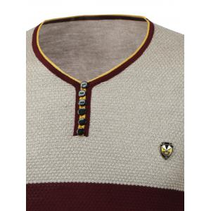 Color Block Spliced Badge Embellished V-Neck Long Sleeve Sweater - RED 3XL