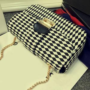 Color Spliced Argyle Pattern Chain Crossbody Bag -