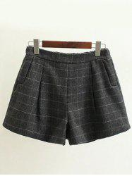 Pockets Design Plus Size Plaid Shorts