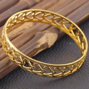 Tiered Hollow Heart Finger Ring -
