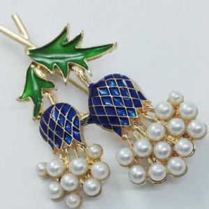 Faux Pearl Enamel Pineapple Brooch - GOLDEN