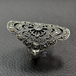 Retro Hollow Out Rhinestone Floral Ring - SILVER 18