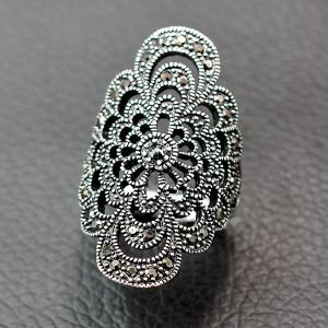 Retro Hollow Out Rhinestone Floral Ring