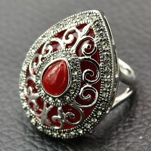 Vintage Hollow Out Heart Faux Gem Ring - Red - 17