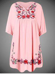 Plus Size Embroidered Casual Tunic Dress With Short Sleeves