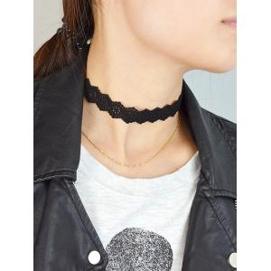 Floral Hollow Out Velvet Choker Necklace - BLACK