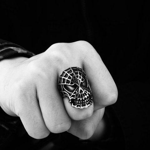 Unique Skull Engraved Stainless Steel Ring - 8 SILVER Mobile