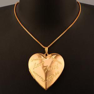 Letter Engraved Peach Heart Pendant Necklace - Golden