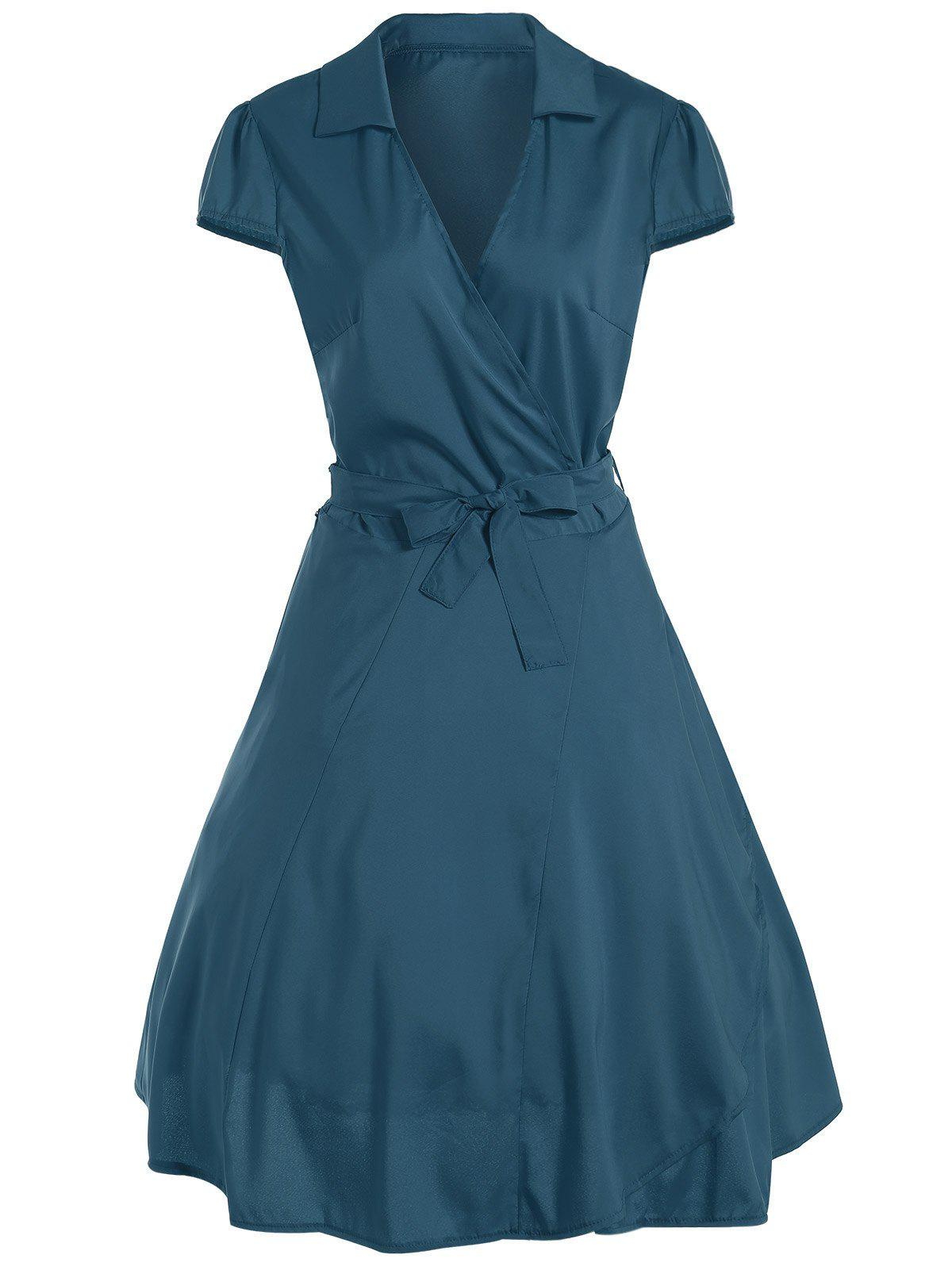 V Neck Tied Belt Surplice Skater DressWOMEN<br><br>Size: M; Color: TURQUOISE; Style: Vintage; Material: Cotton Blend,Polyester; Silhouette: A-Line; Dresses Length: Knee-Length; Neckline: V-Neck; Sleeve Length: Short Sleeves; Pattern Type: Solid; With Belt: Yes; Season: Fall,Spring,Summer; Weight: 0.261kg; Package Contents: 1 x Dress  1 x Belt;