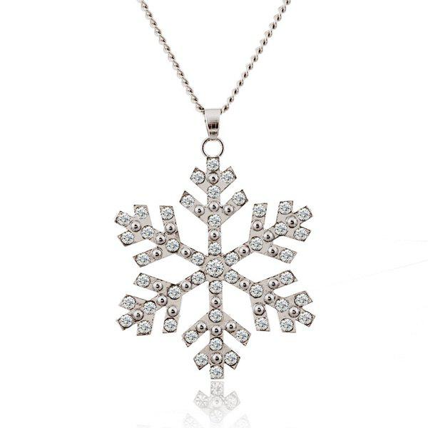 Christmas Snowflake Pendant Sweater Necklace ChainJEWELRY<br><br>Color: SILVER; Gender: For Women; Style: Trendy; Shape/Pattern: Others; Weight: 0.040kg; Package Contents: 1 x Sweater Chain;