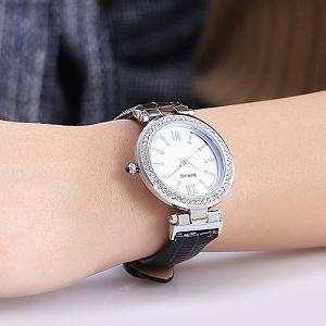 Roman Numerals Dial Plate Rhinestoned Watch -